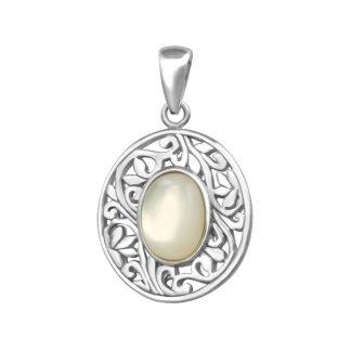 Нежен сребърен медальон със седеф