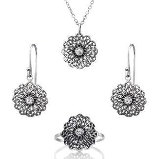 Нежен сребърен комплект с циркон - обеци, колие и пръстен